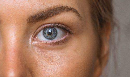 Does vitamin C help restore collagen?