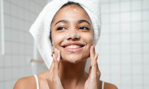 The 6 Best vitamin C face washes for brighter skin!